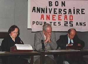 Η Ντενίζ Λεγκρί το 1995 σε Γενική Συνέλευση της Οργάνωσης που φέρει το όνομά της