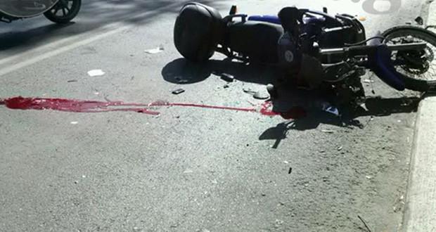 Φωτογραφία ατυχήματος μοτοσυκλετιστή.